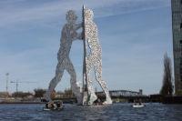 Walking on Water Kanutour Molecule Man