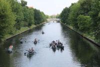 Kanufahren auf der Spree im Kanal